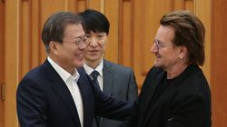 U2 리더 보노가 '한국 코로나 장비 사고 싶다'며 문재인 대통령에게 편지를
