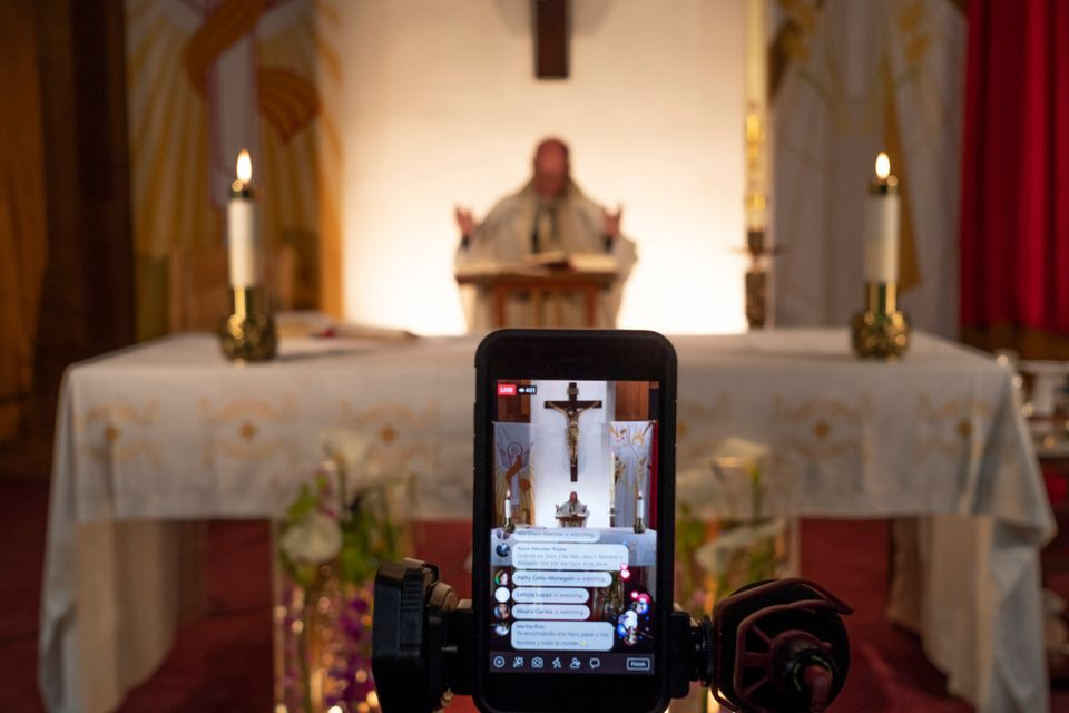 Φωτογραφίες: Το Πάσχα των καθολικών στην εποχή του