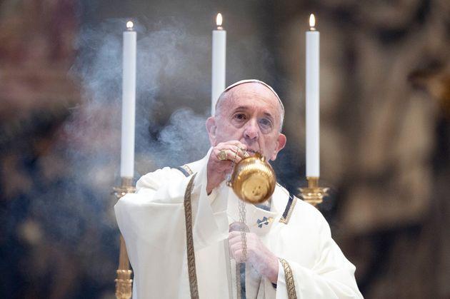 Tradicional missa de Páscoa no