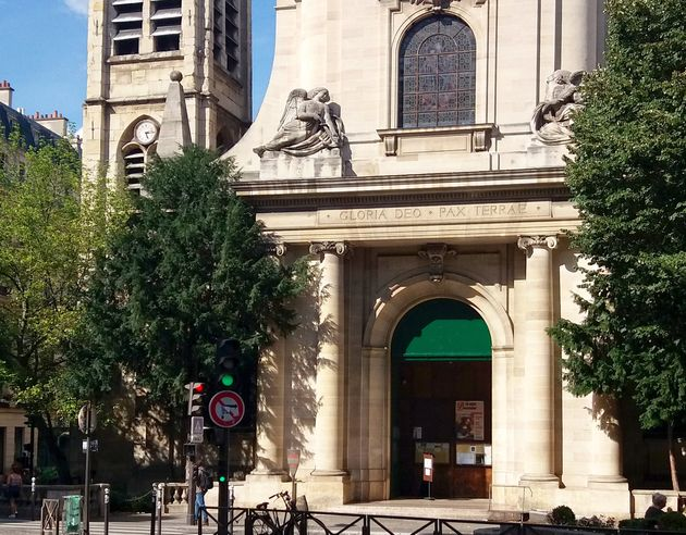 Une messe pascale clandestine s'est tenue à l'église traditionaliste Saint-Nicolas-du-Chardonnet...