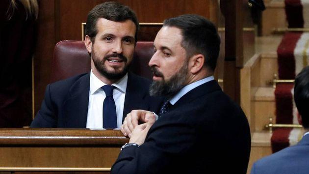 Pablo Casado (PP) y Santiago Abascal (Vox), en el