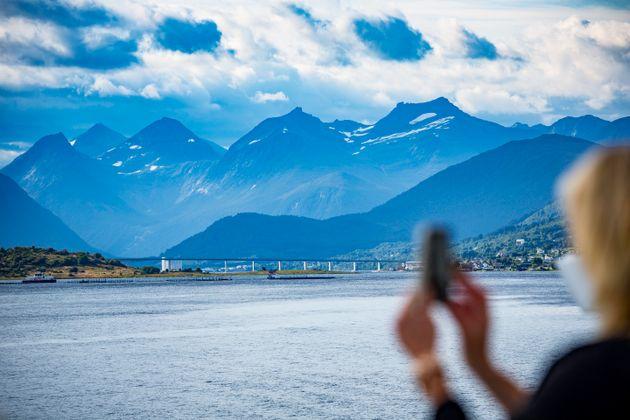 Πώς τα κινητά βοηθούν τη Νορβηγία να εντοπίσει τη διασπορά του