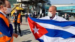 Atterrati a Torino medici e infermieri cubani. Appendino:
