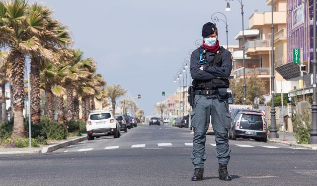 L'Italie, ici Rome ce 13 avril, est le premier pays à dépasser le seuil des 20.000 morts...
