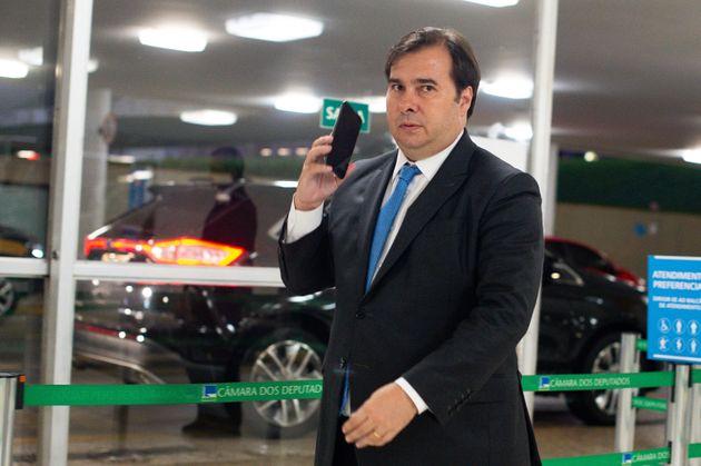 Presidente da Câmara saiu em defesa do ministro da Saúde, Luiz Henrique Mandetta, que é...