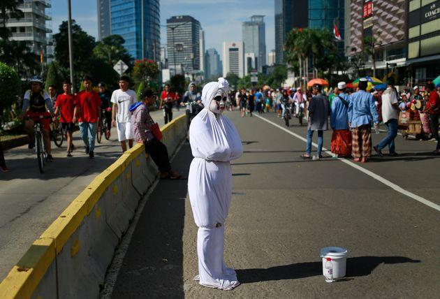 인도네시아 '뽀쫑' 분장을 한