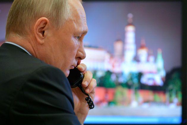 Economist: Πού είναι ο Πούτιν; «Άφαντος» ο Ρώσος πρόεδρος κατά την εξάπλωση της