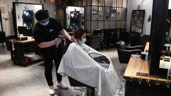 Les coiffeurs pourraient rouvrir après le 11 mai mais tout reste à