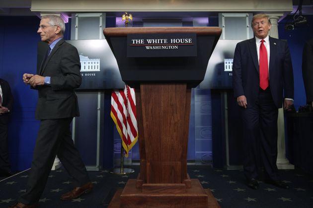 Τραμπ και Φαουτσι κατά...