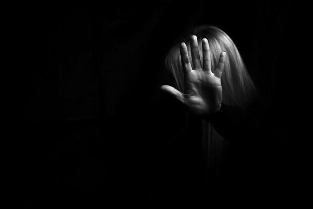 Οδηγίες της ΕΛ.ΑΣ. για την ενδοοικογενειακή βία- «Μένουμε σπίτι, δεν μένουμε