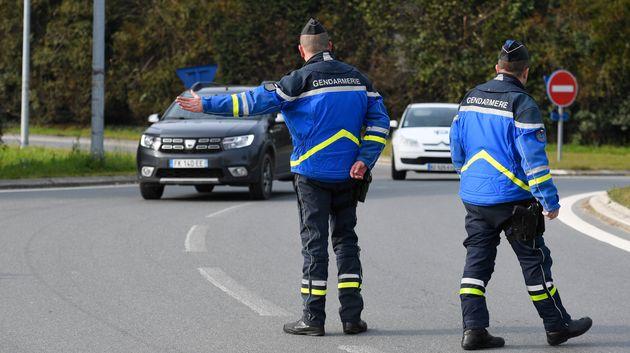 Un habitant du Loir-et-Cher a dû faire demi-tour alors qu'il allait rendre visite à son père mourant...