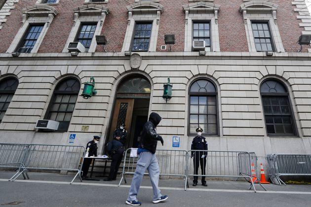 Γιατί η Νέα Υόρκη καταγράφει ραγδαία αύξηση στους θανάτους από κορονοϊό τα τελευταία