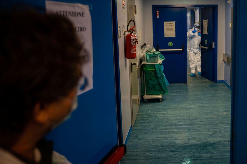 Η επικεφαλής των νοσοκόμων,...