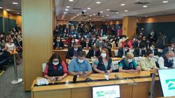 Servidores do Ministério da Saúde lotam auditório e aplaudem Mandetta após Bolsonaro