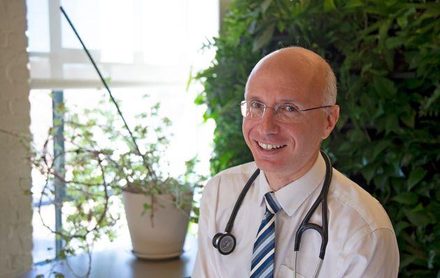 Le Dr Aaron Bernstein