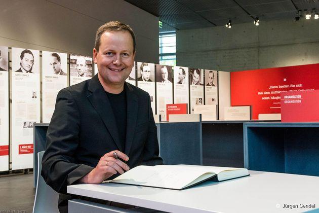 ベルリン副市長、クラウス・レーデラーさん。自らもバンド活動をする彼のモットーは「文化は贅沢品ではない、労働でもある」