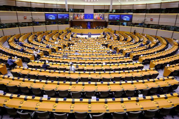 Lega e Forza Italia votano contro i Coronabond al Parlamento