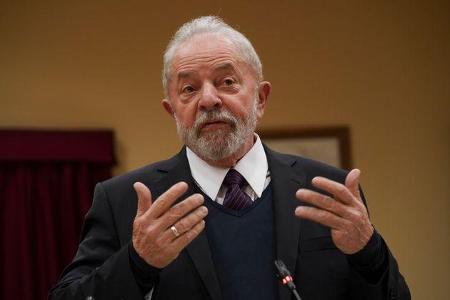 L'ancien président Luiz Inacio Lula da Silva, ici à Rome en février 2020,estime...