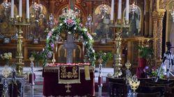 13 συλλήψεις για τα επεισόδια έξω από εκκλησία στον Κορυδαλλό -Απαιτούσαν περιφορά του