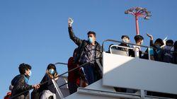 50 προσφυγόπουλα αναχώρησαν για τη Γερμανία - Παρόν στο αεροδρόμιο ο