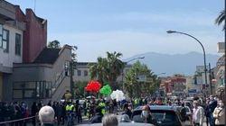 Folla nel Napoletano per salutare il sindaco morto di