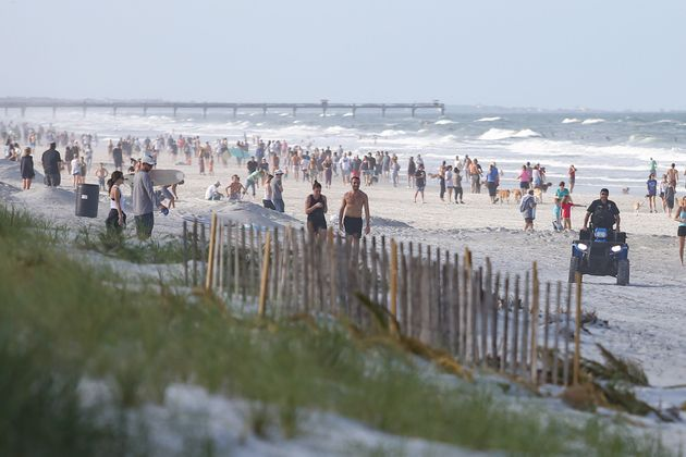 Comme ici à Jacksonville, les plages de Floride ont été prises d'assaut dès...