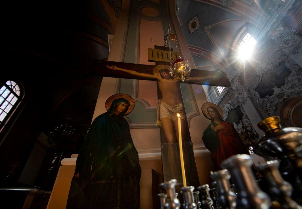 Φωτογραφίες: Η Ανάσταση και το Πάσχα εν μέσω