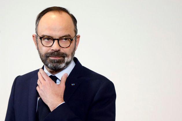 Philippe loue la résilience des Français pour mieux les préparer aux nouveaux