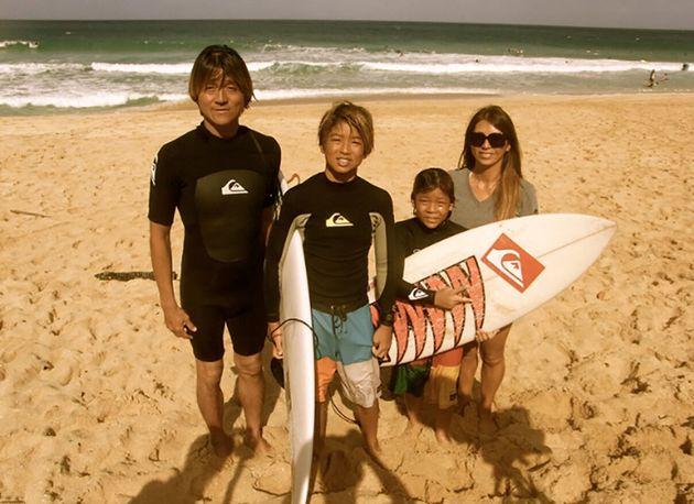 旅・海・サーフィン。「神童」五十嵐カノアの選択と、居場所をめぐる物語。 | ハフポスト
