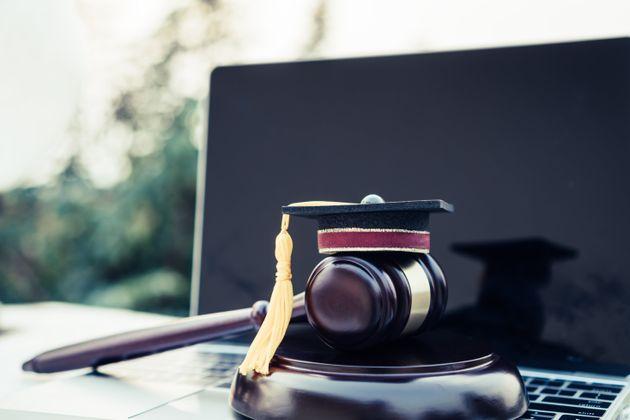 Troppe attività processuali via web sono dannose per il diritto