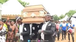 D'où vient le mème des porteurs de cercueil qui a envahi TikTok en plein