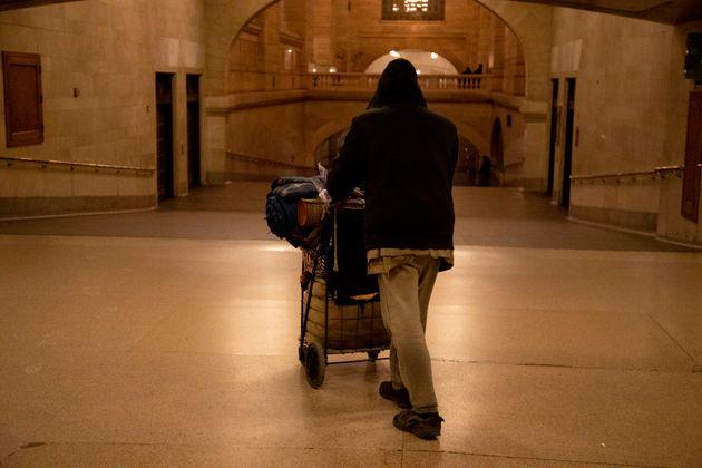 Ελβετία: Οι άστεγοι που βρήκαν στέγη σε πολυτελή ξενοδοχεία εν μέσω της