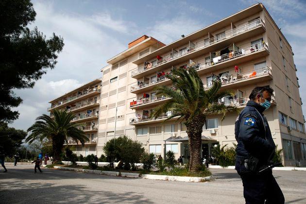 Συναγερμός στο Κρανίδι: 150 κρούσματα σε δομή φιλοξενίας προσφύγων ...