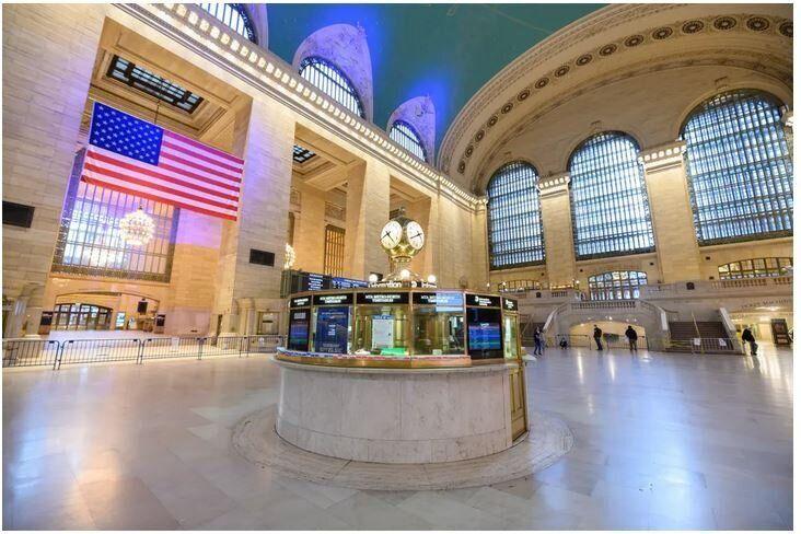 Ο Κεντρικός Σταθμός, Γκραντ Σέντραλ Τέρμιναλ, στην πόλη του Μανχάταν, στη Νέα Υόρκη, την Κυριακή του Πάσχα, 2020.