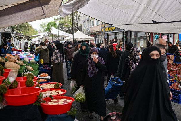 Λαίκή αγορά στην Κωνσταντινούπολη...
