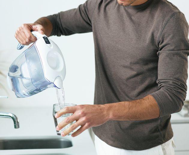 Le migliori caraffe e cartucce filtranti per l'acqua, per dire addio alle bottiglie di