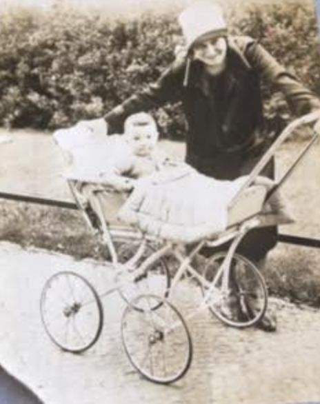 Ziggy Bernstein as a baby in Berlin with his mother