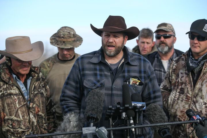 Ammon Bundy, the leader of an anti-government militia, speaks to members of the media in front of the Malheur National Wildli