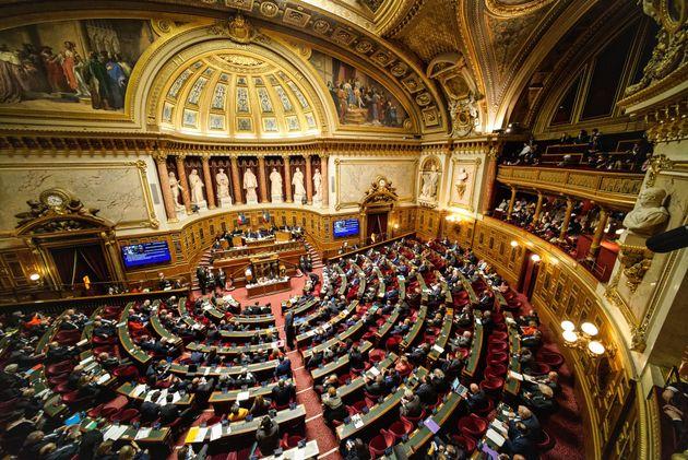 Le budget de crise pour faire face au coronavirus, revu et corrigé, adopté au Sénat...