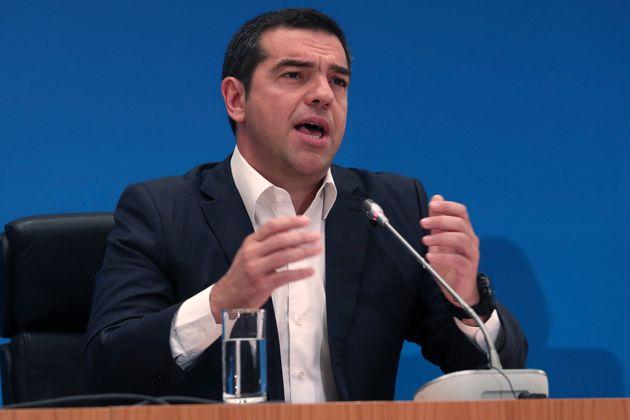 """ΣΥΡΙΖΑ: Η κυβέρνηση εκμεταλλεύεται την """"κοινοβουλευτική καραντίνα"""" για να φέρει νομοσχέδια που δεν θα"""
