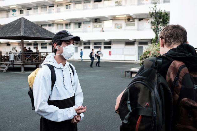 À Nouméa en Nouvelle-Calédonie, les lycéens du lycée Lapérouse...