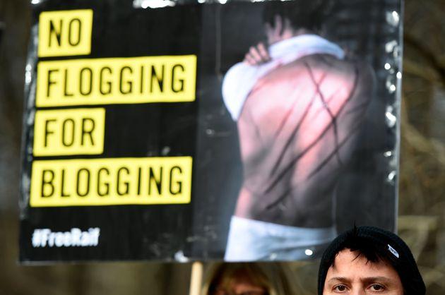 Une manifestation contre la peine de flagellation devant l'ambassade d'Arabie saoudite, en 2015 en