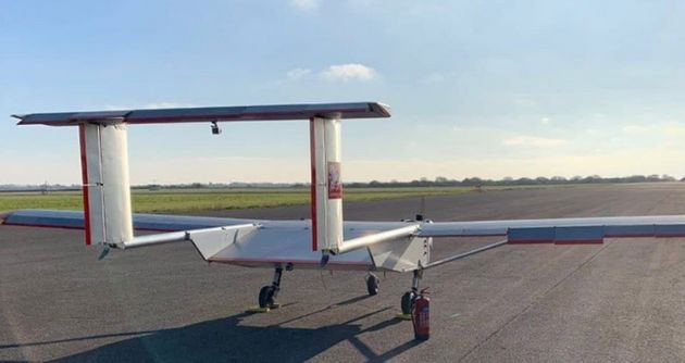Ces drones Windracers, capables de transporter jusqu'à 100 kilos de marchandises, vont fournir du matériel...
