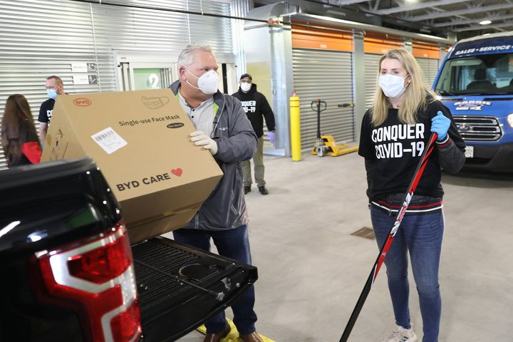 Ontario Premier Doug Ford drops off face masks to hockey legend Hayley Wickenheiser.