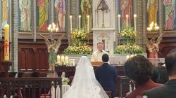 최희가 성당 결혼식 사진을 공개하며 밝힌