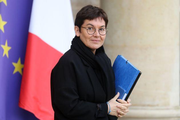 La ministre des Outre-mer Annick Girardin a annoncé le début du déconfinement pour...