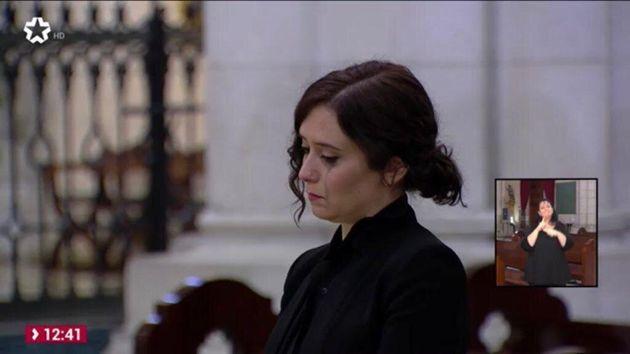 Isabel Díaz Ayuso llora durante la
