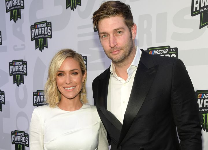 Kristin Cavallari and Jay Cutler announced Sunday that they are divorcing after 10 years of marriage.