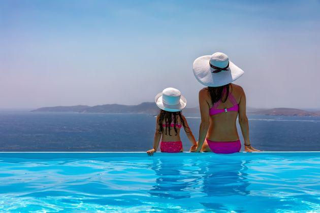 Περίπου το 50% των Ελλήνων σχεδιάζει να κάνει καλοκαιρινές