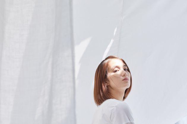 劇作家・演出家・俳優として活動している劇団「贅沢貧乏」の主宰・山田由梨さん